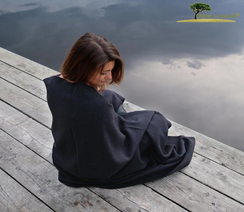 Feine Doubleface Wolldecke Königssee aus 100% Merinowolle schwarz/schwarz 150x220cm