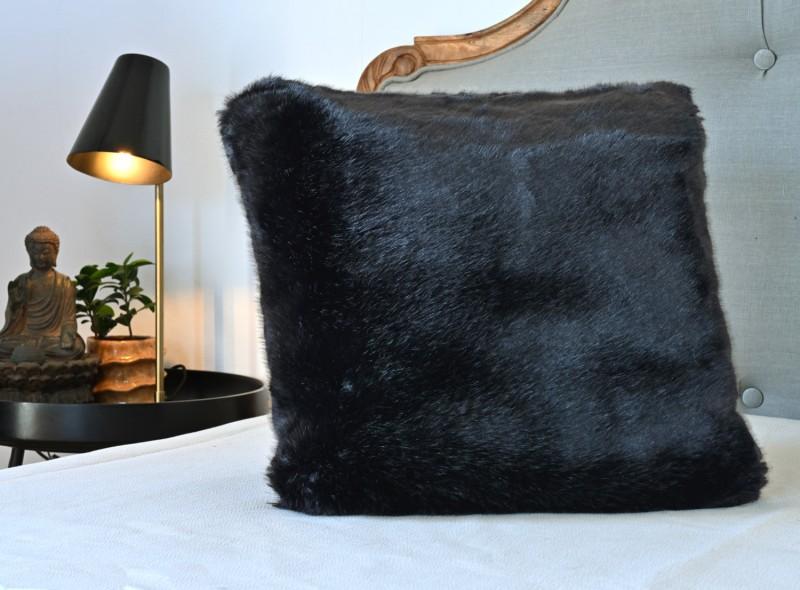 Premium Plus Fellkissen Onyx schwarz 45x45cm