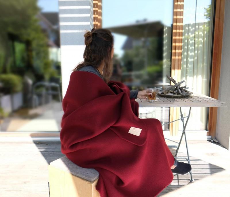 Wolldecke Cortina rot aus 90% Schurwolle und 10% Alpaka 135x200-220cm - wunderbar wärmend