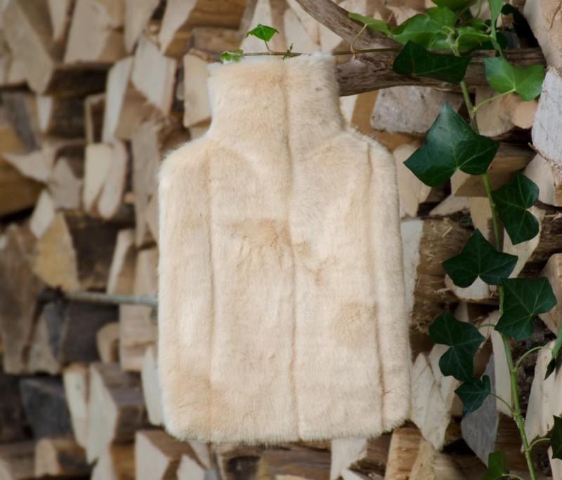 Wärmflaschenhülle aus Fell (Webpelz) Nerz creme-beige mit Naturgummi Wärmflasche