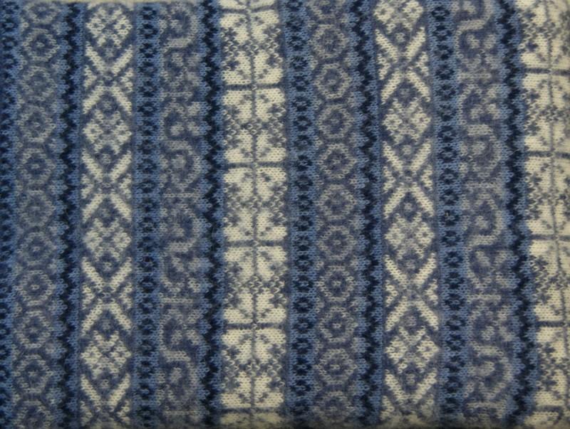 Isländische Wolldecke aus 100% isländischer Schurwolle blau 140x200cm