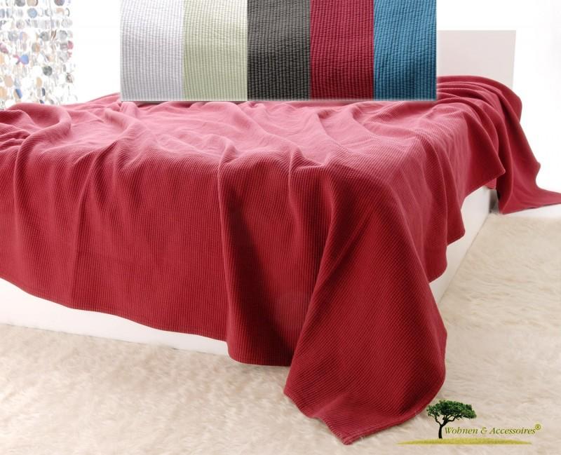Edle Tagesdecke, Bettüberwurf Annabelle mit Streifenmuster in bordeauxrot von 150x200 - 260x300cm