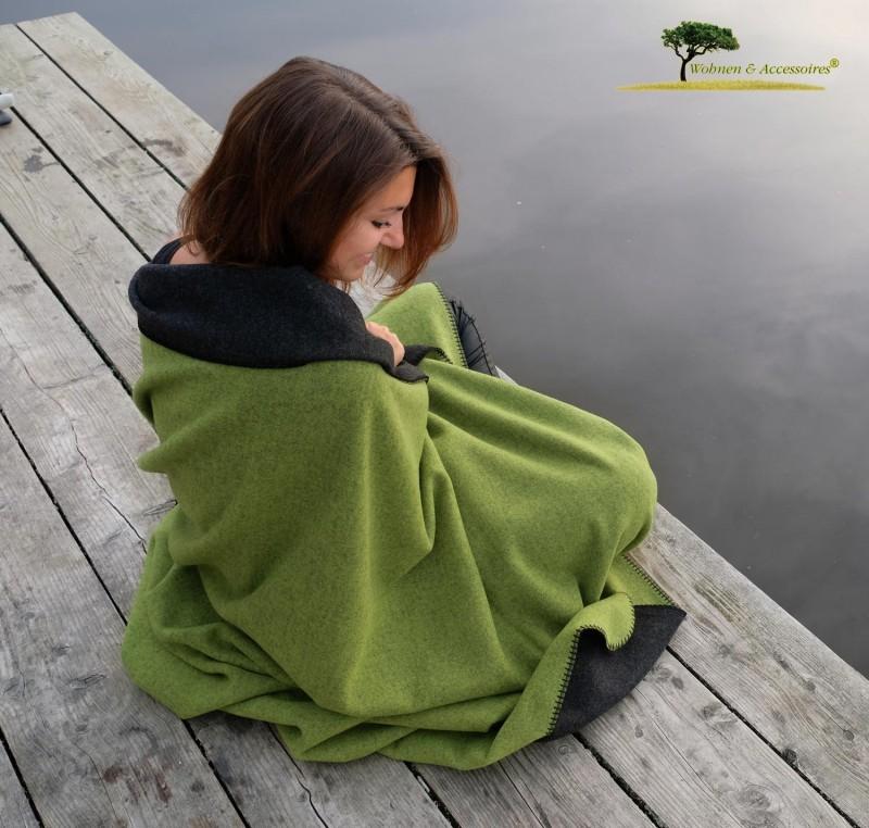 Feine Doubleface Wolldecke Königssee aus 100% Merinowolle grün/schwarz 150x220cm