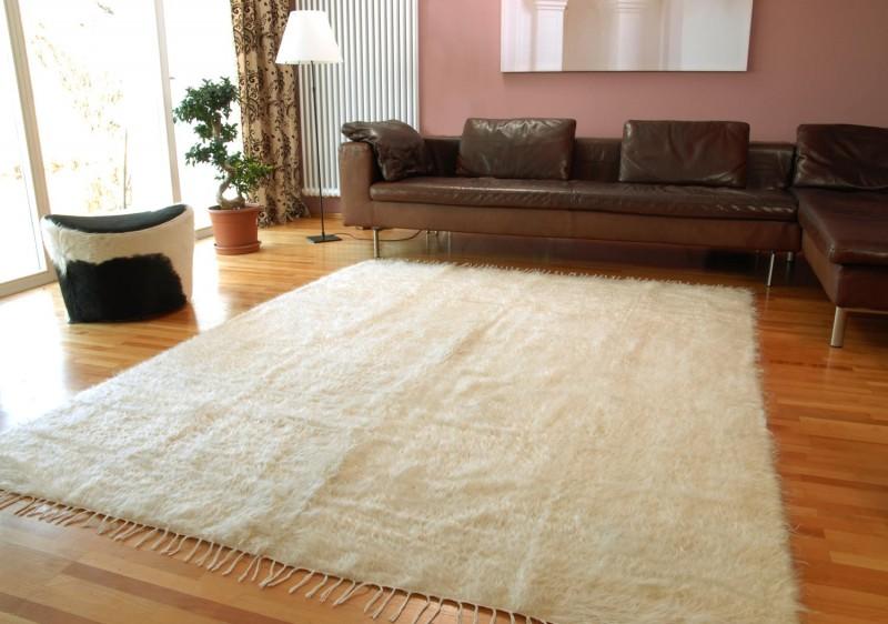 Teppich aus reinem Mohair - Ziegenhaarteppich - weiß melierter Naturton mit seidigem Glanz