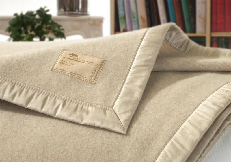 AKTION Kaschmirdecke Amalfi creme-beige, Wolldecke in 150x200-220cm aus 100% Kaschmir mit Seidenband