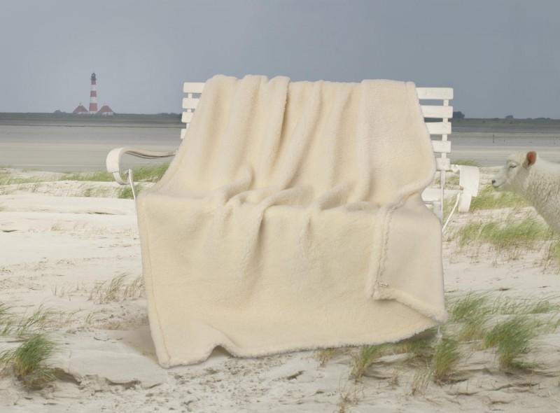 Dicke Wolldecke Nordsee aus Schurwolle von Schafen der Deich- und Küstenlandschaften in wollweiß