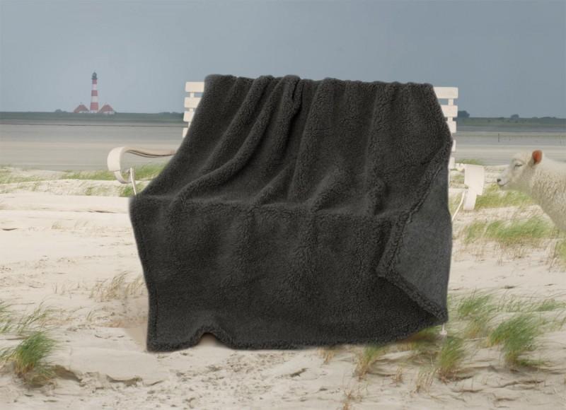 Dicke Wolldecke Nordsee aus Schurwolle von Schafen der Deich- und Küstenlandschaften anthrazit