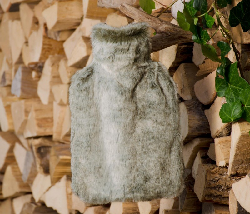 Wärmflaschenhülle aus Fell (Webpelz) Grauwolf mit Naturgummi Wärmflasche