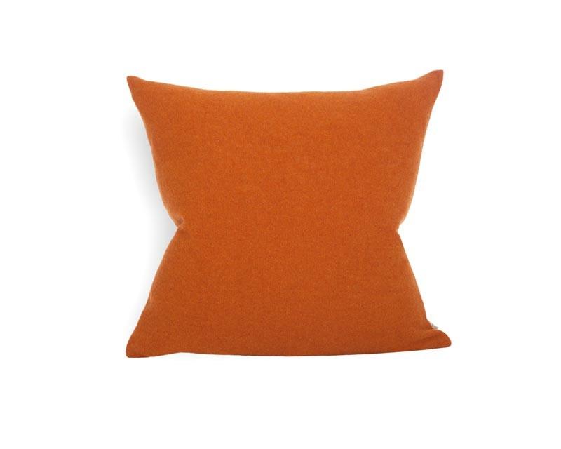 Steiner Kissen Sophia 55x55cm aus 100% Merino koralle - orange
