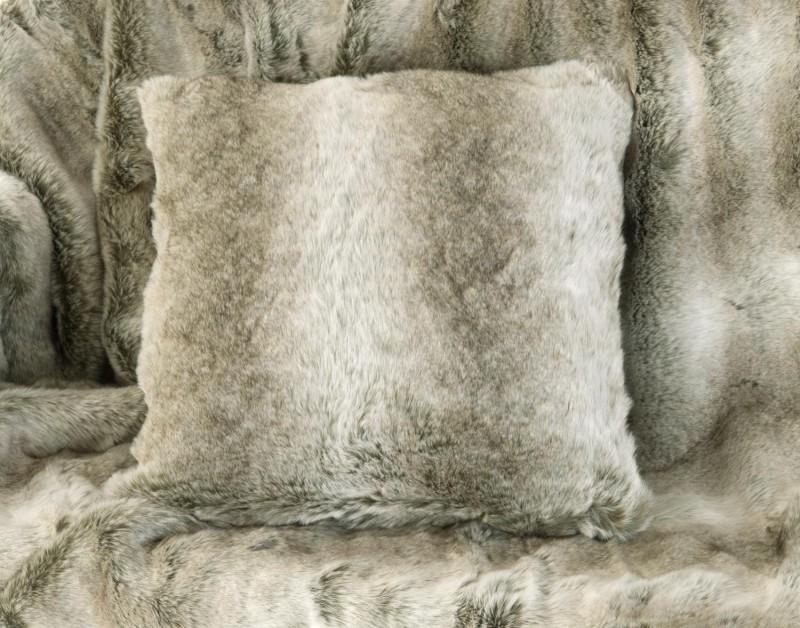 Fellkissen (Webpelzkissen) Grauwolf grau-beige in 45x45cm
