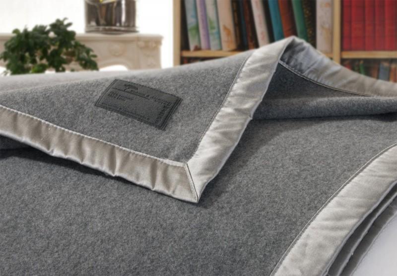 AKTION Kaschmirdecke Amalfi grau, Wolldecke in 150x200-220cm aus 100% Kaschmir mit Seidenband