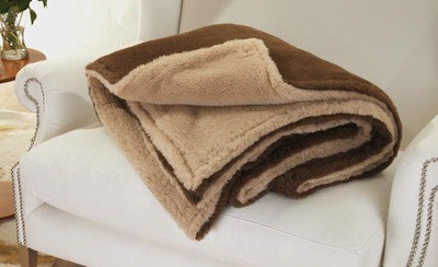 Edle und sehr warme Doppel-Wolldecke aus Alpaka von Steiff-Schulte in naturbeige und braun