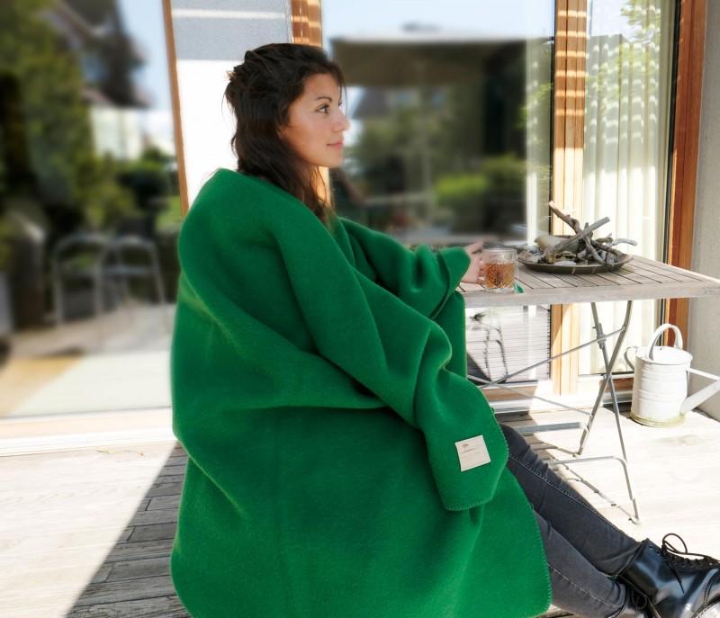 Wolldecke Cortina grün aus 90% Schurwolle und 10% Alpaka 135x200-220cm - wunderbar wärmend