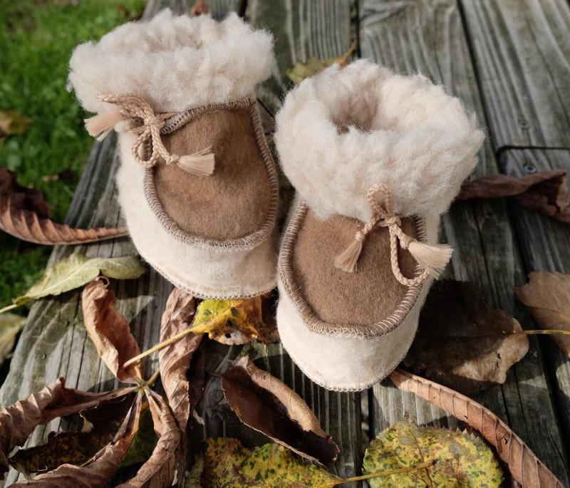 Sanfte Kleinkind Wollschuhe aus feiner Merinowolle mit Anti-Rutsch Sohle