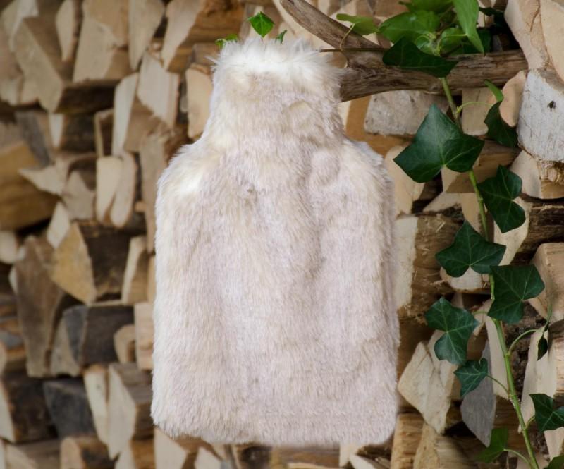 Wärmflaschenhülle aus Fell (Webpelz) Polarwolf mit Naturgummi Wärmflasche - Premium superfein