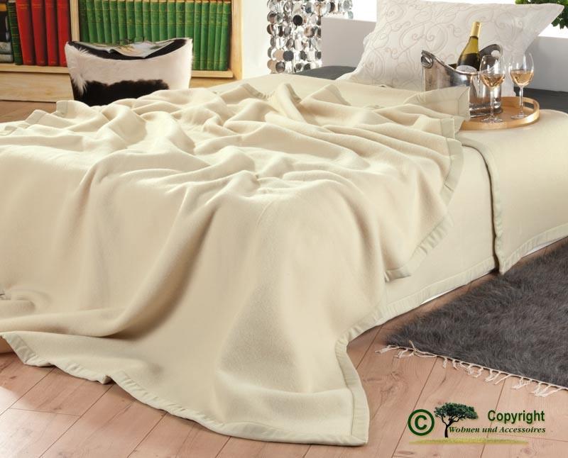 Italienische Wolldecke, Tagesdecke aus 100% Merinowolle in 180x210cm elfenbein-creme